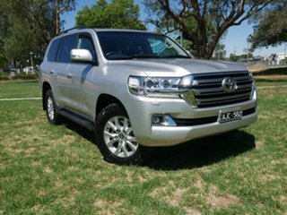 2016 Toyota Landcruiser VDJ200R MY16 VX (4x4) Silver Pearl 6 Speed Automatic Wagon.