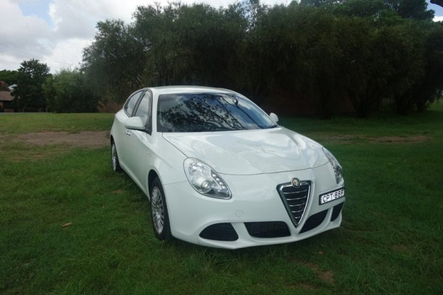 Used Alfa Romeo Giulietta Series 0 MY13 Progression East Maitland, 2013 Alfa Romeo Giulietta Series 0 MY13 Progression White 6 Speed Manual Hatchback