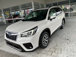 2018 Subaru Forester 2.5I White Constant Variable Wagon.