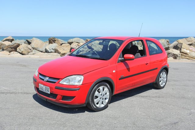 Used Holden Barina XC MY03 SXI Lonsdale, 2003 Holden Barina XC MY03 SXI Red 5 Speed Manual Hatchback