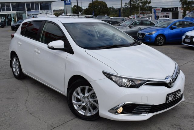 Used Toyota Corolla ZRE182R Ascent Sport S-CVT Ferntree Gully, 2017 Toyota Corolla ZRE182R Ascent Sport S-CVT White 7 Speed Constant Variable Hatchback