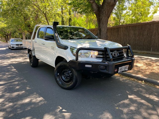 Pre-Owned Toyota Hilux GUN126R SR Double Cab Hawthorn, 2017 Toyota Hilux GUN126R SR Double Cab White 6 Speed Manual Cab Chassis