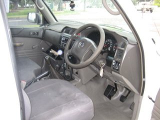 2006 Nissan Patrol White Manual Utility