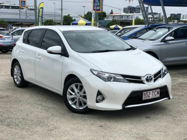 Used Toyota Corolla ZRE182R Ascent Sport S-CVT Chermside, 2013 Toyota Corolla ZRE182R Ascent Sport S-CVT White 7 Speed Constant Variable Hatchback