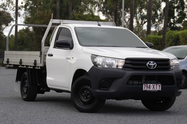Used Toyota Hilux TGN121R Workmate 4x2 Beaudesert, 2017 Toyota Hilux TGN121R Workmate 4x2 White 5 Speed Manual Cab Chassis
