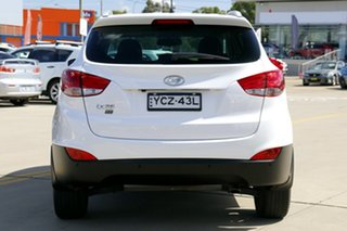 2014 Hyundai ix35 LM Series II SE (FWD) White 6 Speed Automatic Wagon