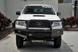 2015 Toyota Hilux KUN26R MY14 SR Double Cab White 5 Speed Manual Utility.