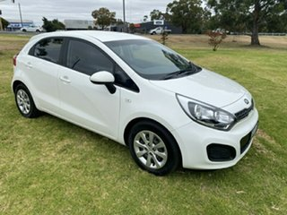 2014 Kia Rio UB MY15 S White 4 Speed Sports Automatic Hatchback.