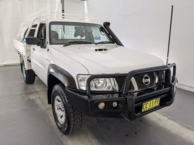Used Nissan Patrol Y61 Series 4 MY14 DX Maryville, 2014 Nissan Patrol Y61 Series 4 MY14 DX White 5 Speed Manual Cab Chassis