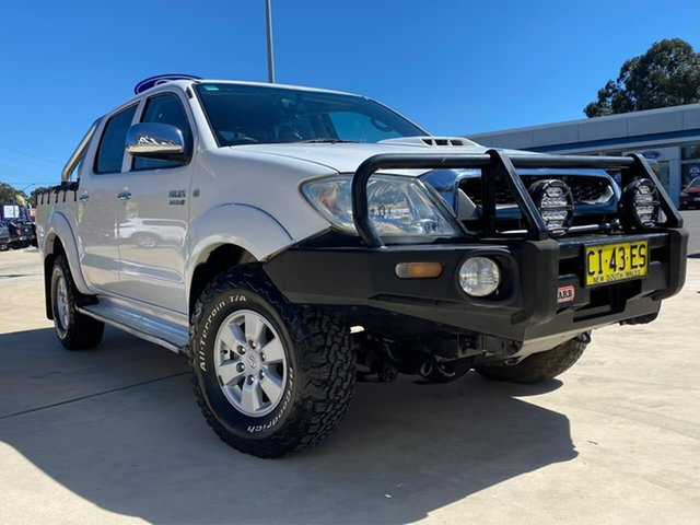 Used Toyota Hilux SR5 Goulburn, 2010 Toyota Hilux SR5 White Automatic Dual Cab Utility