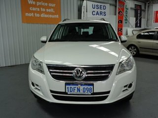 2009 Volkswagen Tiguan 5N MY09 103TDI 4MOTION White 6 Speed Sports Automatic Wagon.