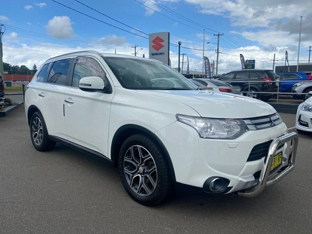 Used Mitsubishi Outlander ZJ MY14.5 Aspire 4WD Cardiff, 2014 Mitsubishi Outlander ZJ MY14.5 Aspire 4WD White 6 Speed Sports Automatic Wagon