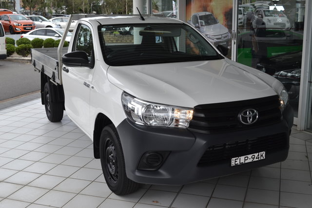 Used Toyota Hilux TGN121R Workmate 4x2 Maitland, 2018 Toyota Hilux TGN121R Workmate 4x2 White 5 Speed Manual Cab Chassis