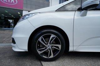2017 Honda Odyssey RC MY17 VTi White 7 Speed Constant Variable Wagon.