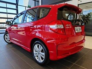 2014 Honda Jazz Vibe-S Hatchback.