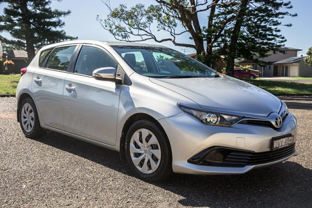 Used Toyota Corolla ZRE182R Ascent S-CVT Port Macquarie, 2015 Toyota Corolla ZRE182R Ascent S-CVT Silver 7 Speed Constant Variable Hatchback