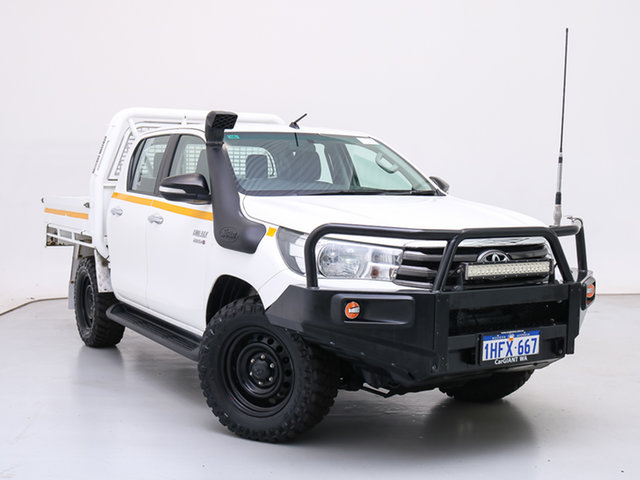 Used Toyota Hilux GUN126R MY17 SR (4x4), 2017 Toyota Hilux GUN126R MY17 SR (4x4) White 6 Speed Automatic Dual Cab Chassis