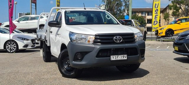 Used Toyota Hilux TGN121R Workmate Double Cab 4x2 Liverpool, 2017 Toyota Hilux TGN121R Workmate Double Cab 4x2 White 5 Speed Manual Utility