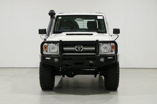 2020 Toyota Landcruiser VDJ79R GXL (4x4) White 5 Speed Manual Double Cab Chassis.