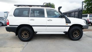 2001 Toyota Landcruiser HZJ105R Standard White 5 Speed Manual Wagon.