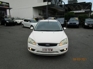2006 Ford Focus LS LX White 4 Speed Automatic Sedan.