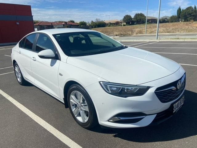 Used Holden Commodore ZB MY18 LT Liftback Victor Harbor, 2017 Holden Commodore ZB MY18 LT Liftback White 9 Speed Sports Automatic Liftback