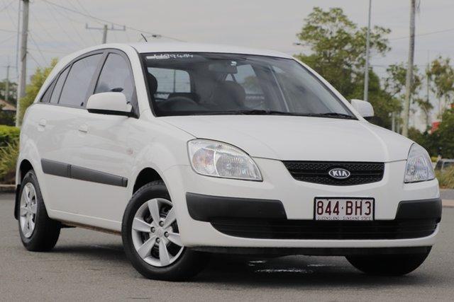 Used Kia Rio JB MY09 LX Rocklea, 2009 Kia Rio JB MY09 LX Clear White 5 Speed Manual Hatchback