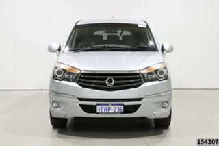 2013 Ssangyong Stavic A100 08 Upgrade 2.7 XDI Silver 5 Speed Automatic Wagon.