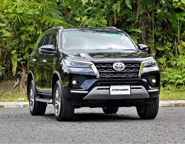Demo Toyota Fortuner , Toyota Fortuner Sparkling Black Pearl CS Automatic