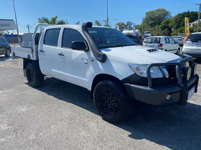 Used Toyota Hilux KUN26R MY14 SR Double Cab Gladstone, 2014 Toyota Hilux KUN26R MY14 SR Double Cab White 5 Speed Manual Cab Chassis