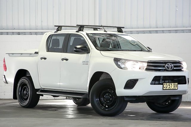 Used Toyota Hilux GUN126R SR Double Cab West Gosford, 2017 Toyota Hilux GUN126R SR Double Cab White 6 Speed Sports Automatic Utility