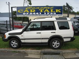 2002 Land Rover Discovery Series II S (4x4) White 4 Speed Automatic Wagon.