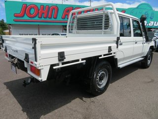 2017 Toyota Landcruiser VDJ79R Workmate Double Cab White 5 Speed Manual Cab Chassis