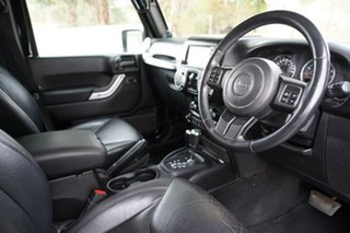 2014 Jeep Wrangler JK MY2014 Unlimited Overland Black 5 Speed Automatic Hardtop.