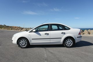 2006 Ford Focus LS CL White 4 Speed Sports Automatic Sedan