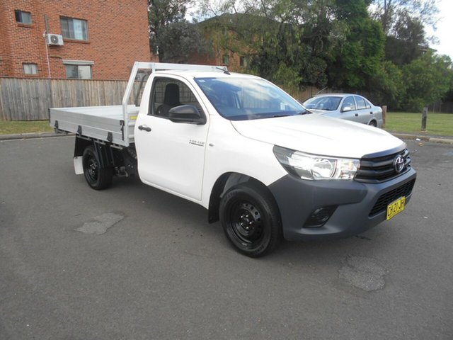 Used Toyota Hilux GUN122R Workmate Bankstown, 2016 Toyota Hilux GUN122R Workmate White 5 Speed Manual Cab Chassis