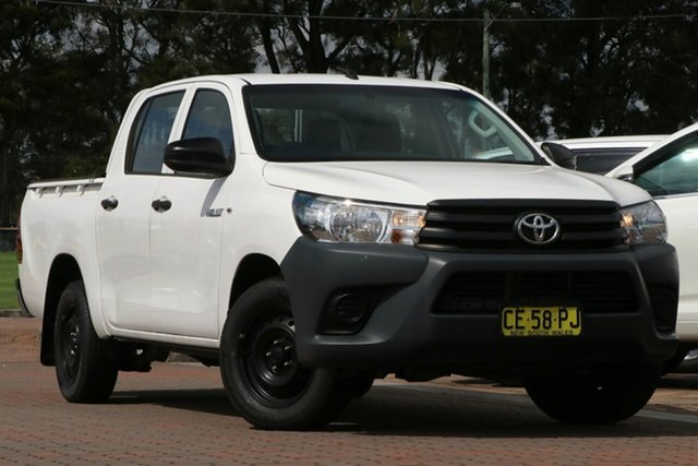 Pre-Owned Toyota Hilux TGN16R MY14 Workmate Double Cab 4x2 Warwick Farm, 2015 Toyota Hilux TGN16R MY14 Workmate Double Cab 4x2 White 4 Speed Automatic Utility