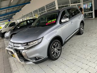 2017 Mitsubishi Outlander LS Silver Constant Variable Wagon.