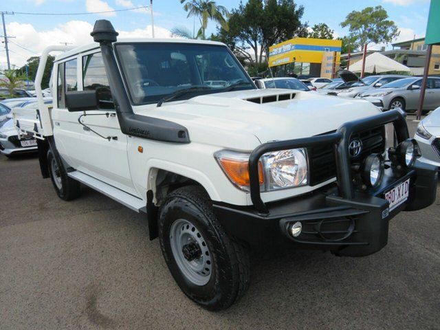 Used Toyota Landcruiser VDJ79R Workmate Double Cab Mount Gravatt, 2017 Toyota Landcruiser VDJ79R Workmate Double Cab White 5 Speed Manual Cab Chassis