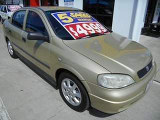 2005 Holden Astra TS MY05 Classic Equipe Gold 5 Speed Manual Sedan.