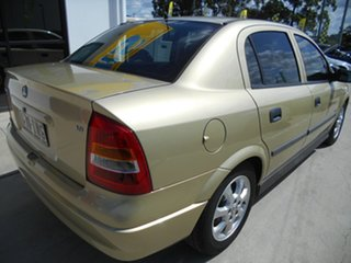 2005 Holden Astra TS MY05 Classic Equipe Gold 5 Speed Manual Sedan