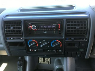 1997 Land Rover Discovery SE Silver 4 Speed Automatic Wagon
