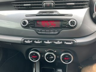 2011 Alfa Romeo Giulietta 1.4 White 6 Speed Manual Hatchback
