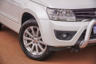 2014 Suzuki Grand Vitara JB MY13 Prestige White 4 Speed Automatic Wagon.