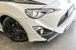 2015 Toyota 86 ZN6 Blackline Edition White 6 Speed Sports Automatic Coupe.