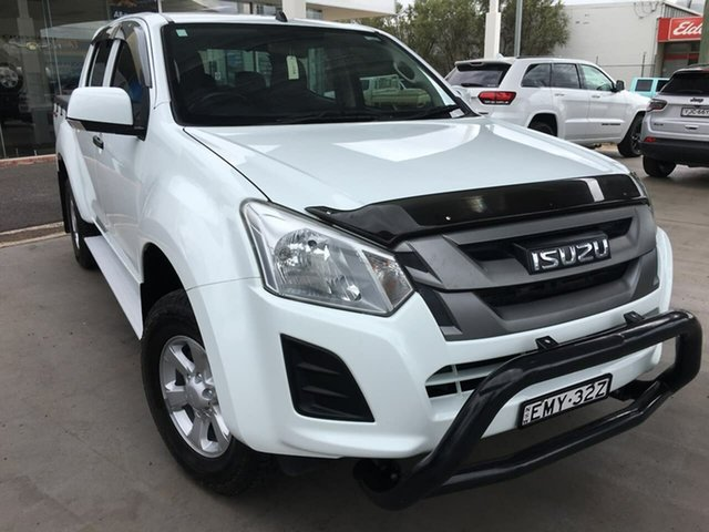 Used Isuzu D-MAX SX Dubbo, 2017 Isuzu D-MAX (No Series) SX White Manual