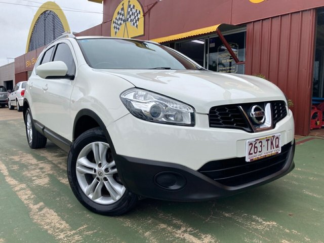 Used Nissan Dualis J107 Series 3 MY12 +2 Hatch X-tronic 2WD ST Toowoomba, 2013 Nissan Dualis J107 Series 3 MY12 +2 Hatch X-tronic 2WD ST 6 Speed Constant Variable Hatchback