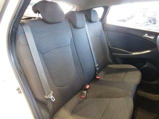 RB2 Active Hatchback 5dr Man 6sp 1.6i