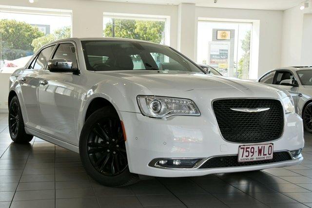 Used Chrysler 300 LX MY14 C E-Shift Windsor, 2015 Chrysler 300 LX MY14 C E-Shift White 8 Speed Sports Automatic Sedan