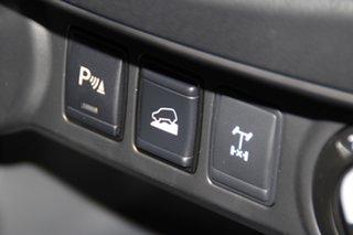 NAVARA 4X4 2.3 DSL AUTO DC ST-X LN